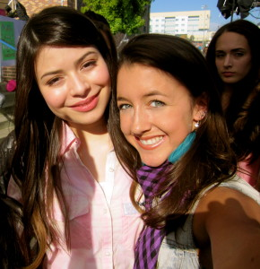 On set with Miranda Cosgrove (icarly)